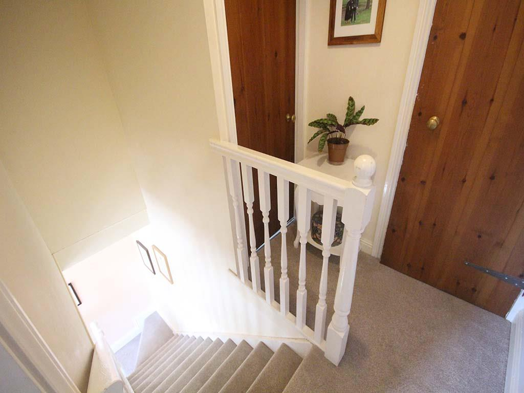 2 bedroom end terrace house For Sale in Winewall - IMG_7284.jpg